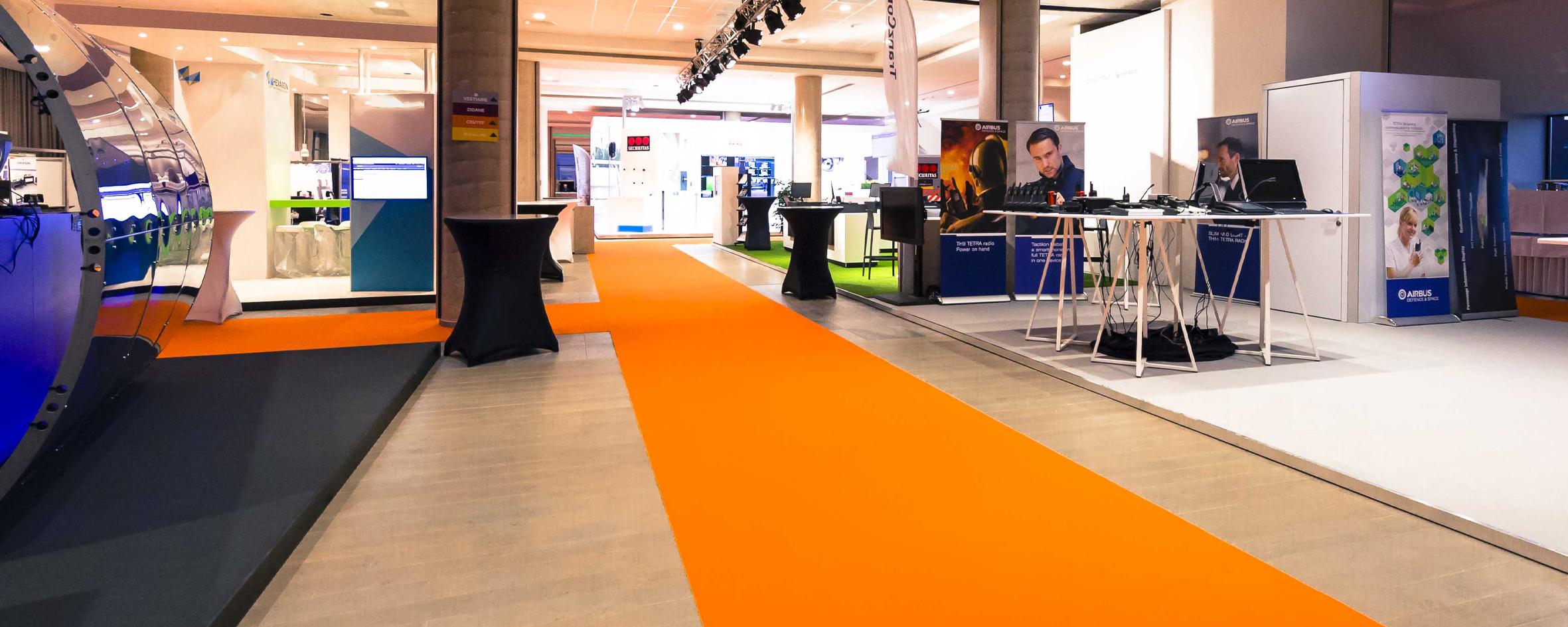 sommer-event-carpet-expoline-9347-mandarine-ambiance-2